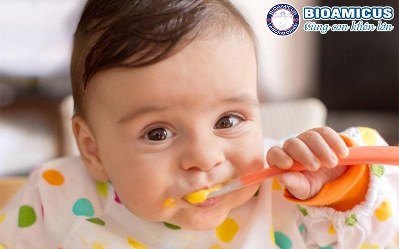 Trẻ rối loạn tiêu hóa biếng ăn ngày Tết