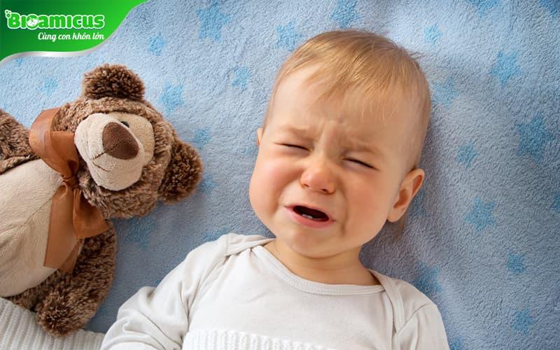 Trẻ hay khóc đêm thiếu chất gì