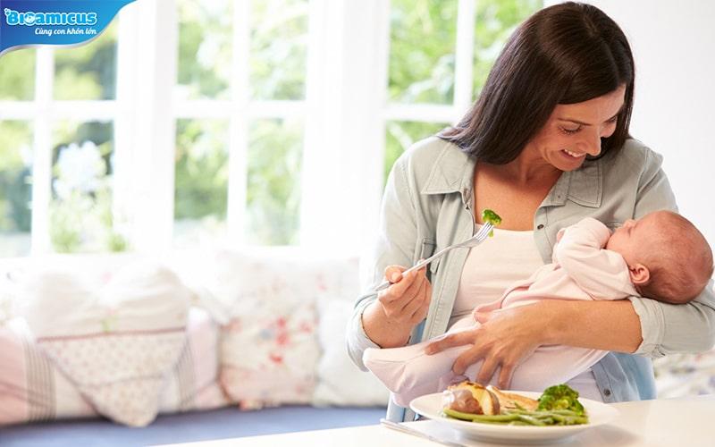 chế độ ăn của mẹ có thể gây đầy hơi cho con