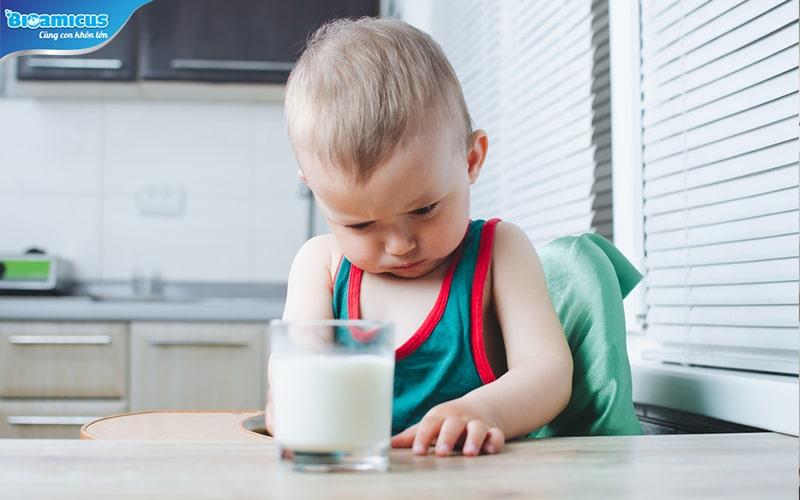 Trẻ bất dung nạp lactose